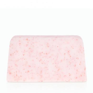 Йогуртовое мыло с ароматом лесных ягод image